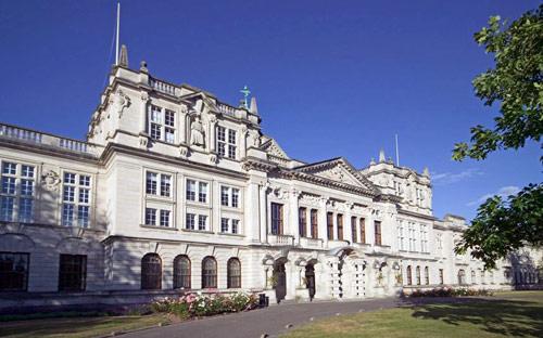 Top 5 trường đại học đẹp nhất Vương quốc Anh
