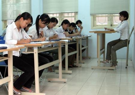 Đề thi thử tốt nghiệp THPT môn tiếng anh năm 2012 đề số 34