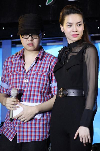 Dam Vinh Hung hon su thay