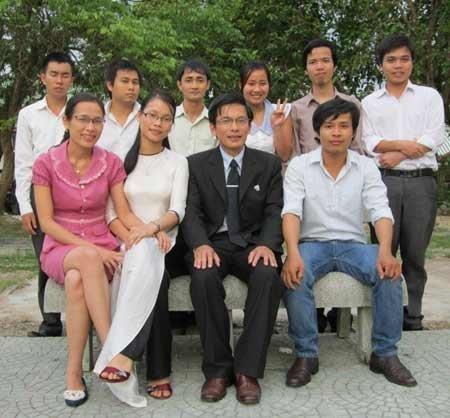 SMS Brand name ky uc ve thay nguoi khoi day niem dam me hoc su 1 Ký ức về Thầy: Người khơi dậy niềm đam mê học Sử
