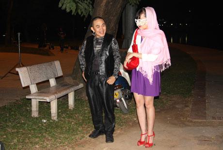 Xem hài Tết Xuân Hinh 2013 mới nhất: Con hư tại bố   van dung tai ngo vua hai dat bac xuan hinh trong con hu tai bo hai tet 2013 10