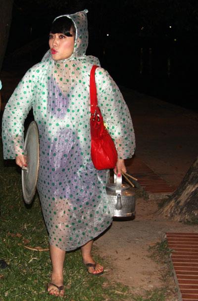 Xem hài Tết Xuân Hinh 2013 mới nhất: Con hư tại bố   van dung tai ngo vua hai dat bac xuan hinh trong con hu tai bo hai tet 2013 2