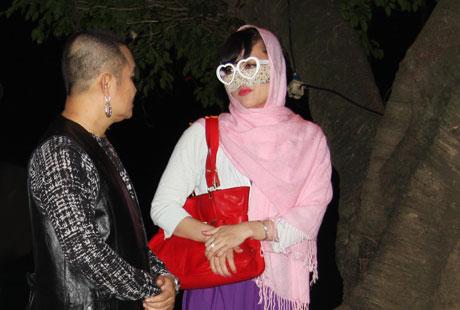 Xem hài Tết Xuân Hinh 2013 mới nhất: Con hư tại bố   van dung tai ngo vua hai dat bac xuan hinh trong con hu tai bo hai tet 2013 8
