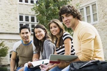 Triển lãm Giáo dục Đại học Pháp năm 2013
