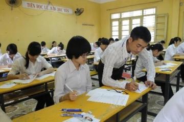 Đề thi lớp 6 học kì 2 môn tiếng anh năm 2012 đề số 70