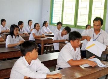 Đề thi lớp 9 học kì 2 môn hóa học năm 2012 đề số 49