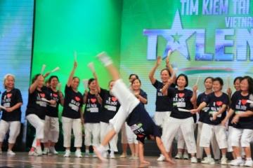 Các cụ U80 nhảy hiphop trên sân khấu Got Talent 2013