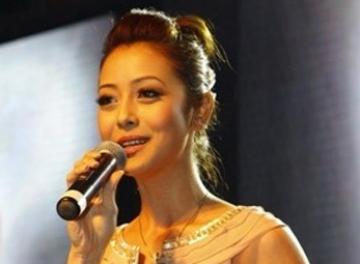 """Jennifer Phạm hủy show """"Xuân Phát tài 3"""" vì lý do sức khỏe"""