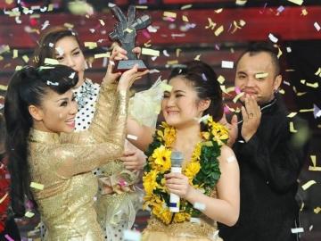 Hương Tràm giành ngôi vị quán quân Giọng hát Việt 2012
