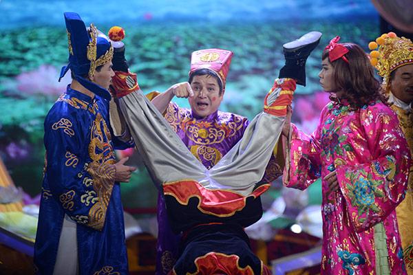 Pha hài hước của Táo Giao thông với Nam Tào và Bắc Đẩu.