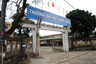 Ty le choi truong Dai Hoc Nghe Thuat  - DH Hue nam 2014