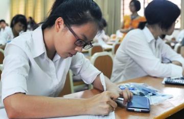 Tổng hợp đề thi lớp 8 học kì 2 môn tiếng anh năm 2013 (Phần 2)
