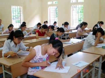 Tổng hợp đề thi lớp 7 học kì 2 môn tiếng anh năm 2013 (Phần 3)