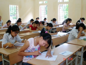 Tổng hợp đề thi lớp 9 học kì 2 môn tiếng anh năm 2013 (Phần 2)