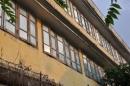 Trường Quang Trung phân trần việc dán giấy bóng kính mới sau tiêu cực