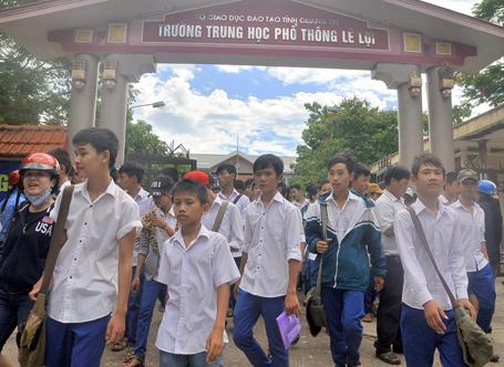 De thi mon Toan vao lop 10 nam 2013 tai Quang Tri kho dat diem cao