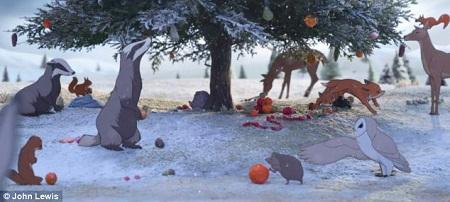 Giáng sinh đến nhưng gấu vẫn ngủ, trong khi đó, muôn loài đang bận rộn trang trí khu rừng.