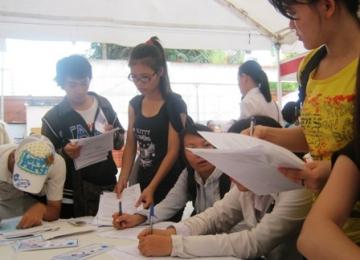Một nửa sinh viên ĐH Nguyễn Tất Thành không được thi tốt nghiệp