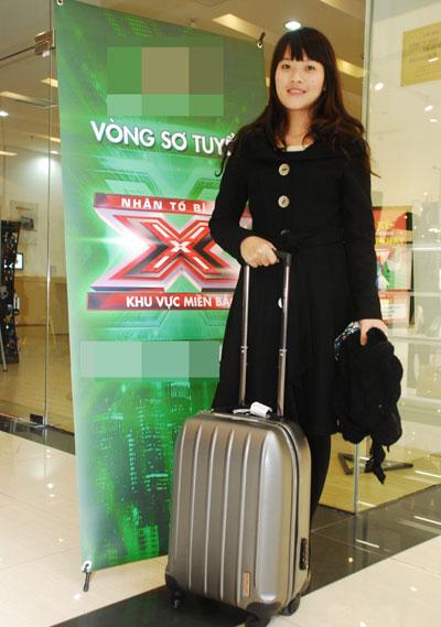 thậm chí cô gái sinh năm 1984 đến từ Nghệ An đã không quản đường xa, mang theo hành lí đến chương trình lúc 4g sáng và chờ vòng buổi thi diễn ra.