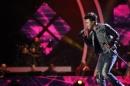 Gala 1 Vietnam idol 2013: Đông Hùng gây ấn tượng với