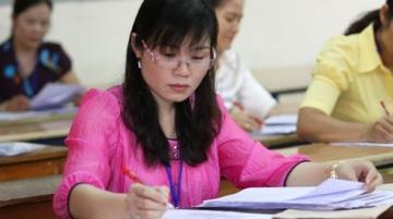 Điểm chuẩn đại học ngành công nghệ tăng, kinh tế giảm