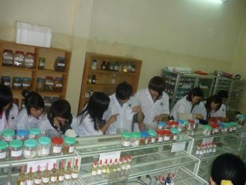 Trường Trung cấp Dược Hà Nội tuyển sinh Dược sỹ chính quy năm 2014