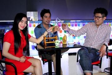 Độc đáo quán nước ống nghiệm lạ nhất Việt Nam