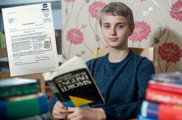 Lộ diện chân dung cậu bé có chỉ số IQ cao nhất thế giới