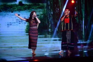 Liveshow 4 cặp đôi hoàn hảo: Cặp đôi Hà Duy - Hoàng Yến đạt điểm tuyệt đối