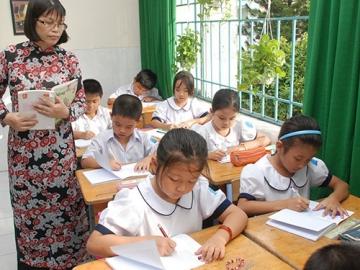 Đề thi học kì 1 lớp 3 môn Tiếng Việt năm 2014 - TH Tiền Phong 2