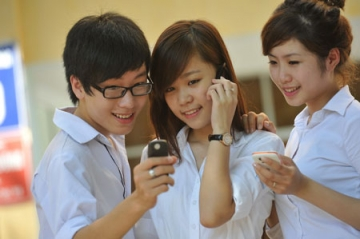 Đề thi học kì 1 lớp 11 môn Toán năm 2013 Trường THPT Trần Cao Vân (Nâng cao)