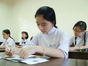 Đề thi học kì 1 lớp 11 môn Toán năm 2014 Trường THPT Minh Khai