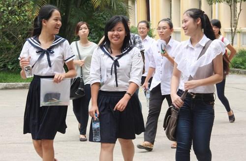 Đề thi thử THPT quốc gia môn Văn - THPT Quỳnh Lưu 4 năm 2015