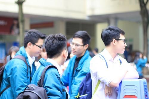 Đề thi thử THPTQG môn Tiếng Anh - THPT chuyên Nguyễn Chí Thanh năm 2015