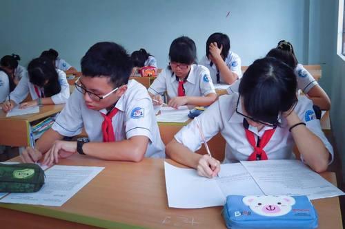 Tuyển sinh vào lớp 10 THPT chuyên Thái Nguyên năm 2015