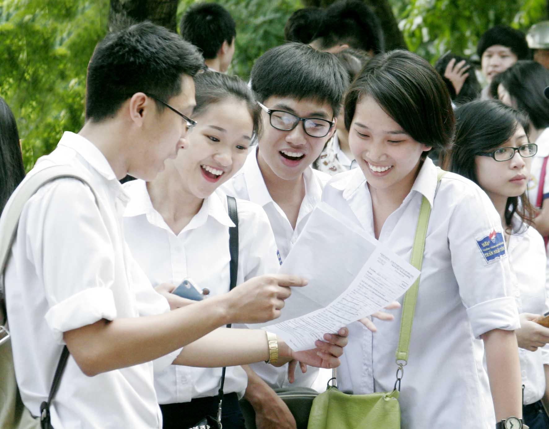 Đề thi giữa học kì 1 lớp 12 môn Tiếng Anh - THPT Trần Nhân Tông năm 2015