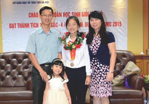 Nữ sinh thủ khoa ba khối chuyên lớp 10 ở Hà Nội