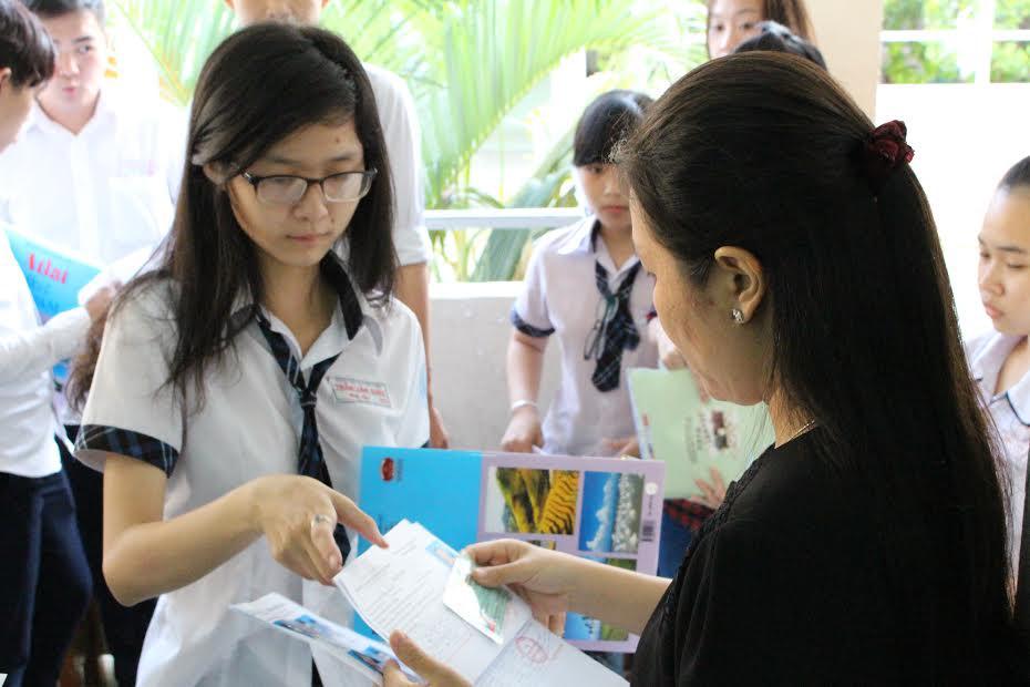 Bộ GD yêu cầu tăng cường chỉ đạo chấm thi, công bố kết quả thi