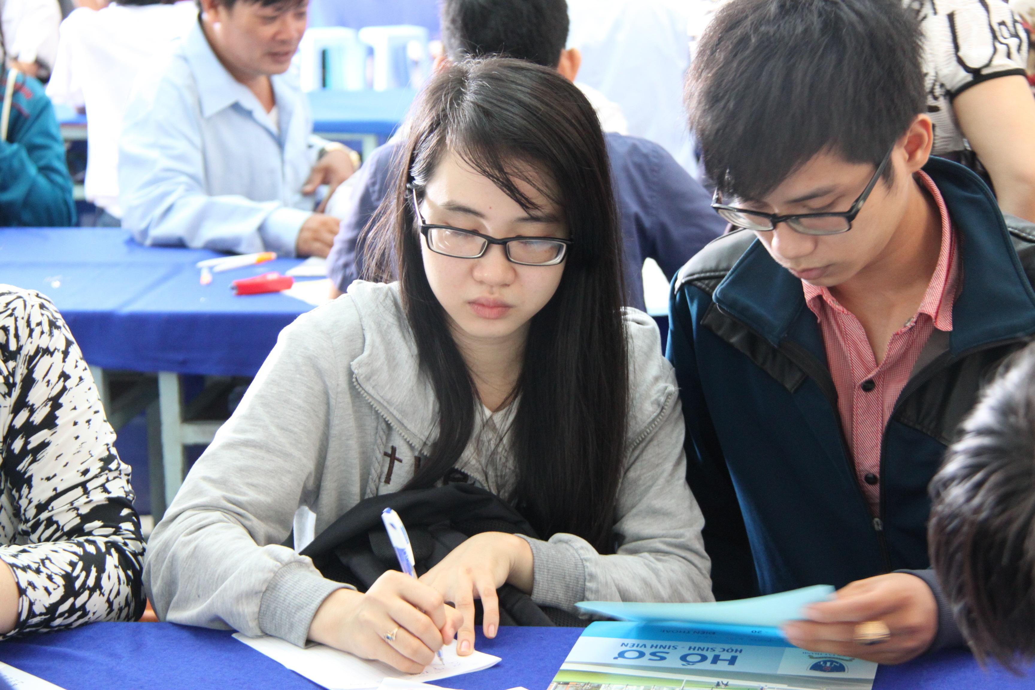 Chính sách miễn giảm học phí đối với học sinh, sinh viên nghèo