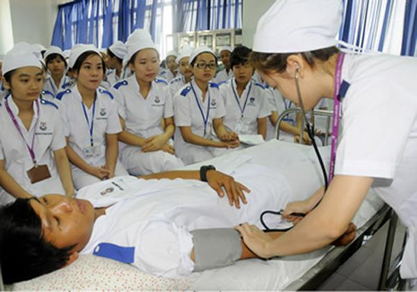Sinh viên tốt nghiệp ĐH Y sẽ thi thêm chứng chỉ hành nghề