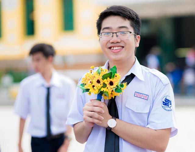 Thủ khoa Phạm Hữu Triết.