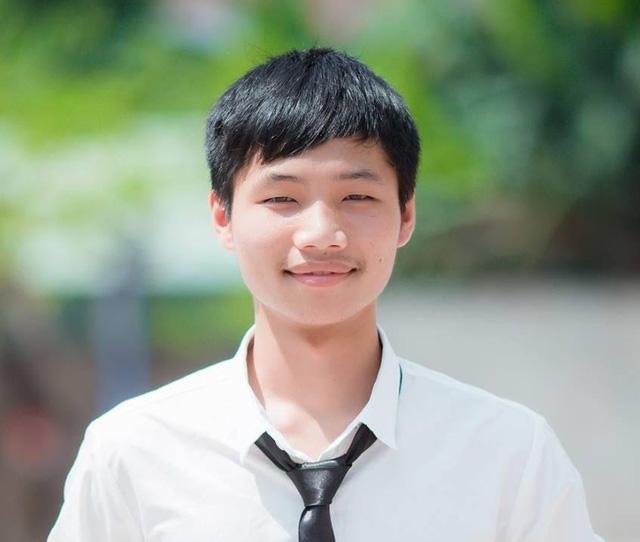 Thủ khoa Hồ Phi Khánh.