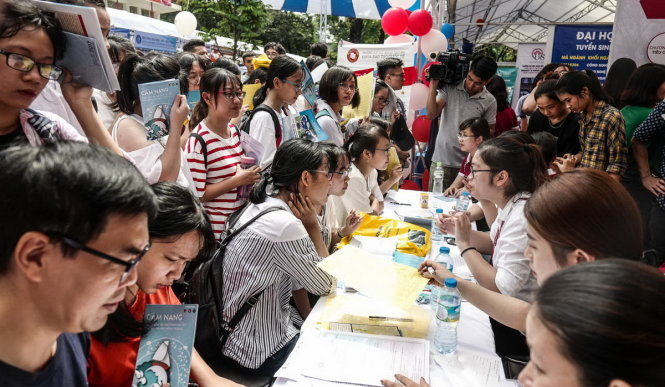 Nam 2018 DH Tai chinh marketing tuyen thang thi sinh dat hoc sinh gioi 3 nam