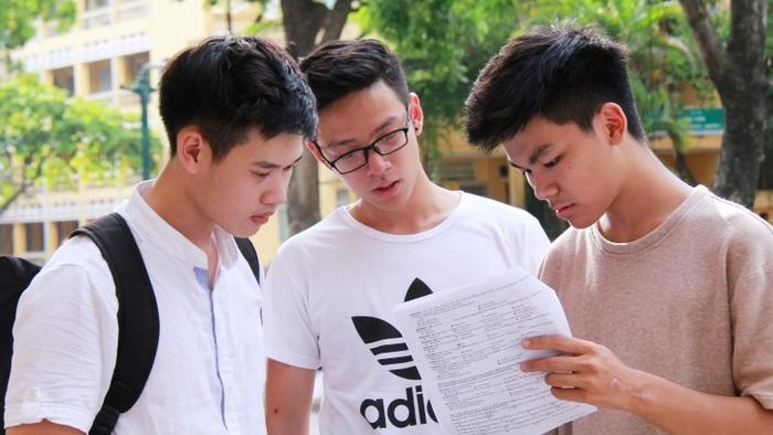 Học sinh quá bối rối khi đăng ký xét tuyển đại học