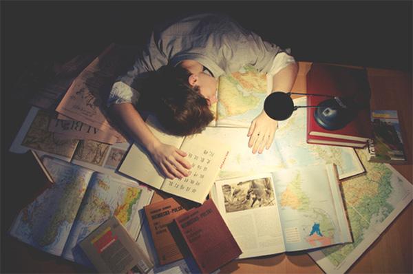 Áp lực đậu đại học: Giấc mơ con đè nát cuộc đời con