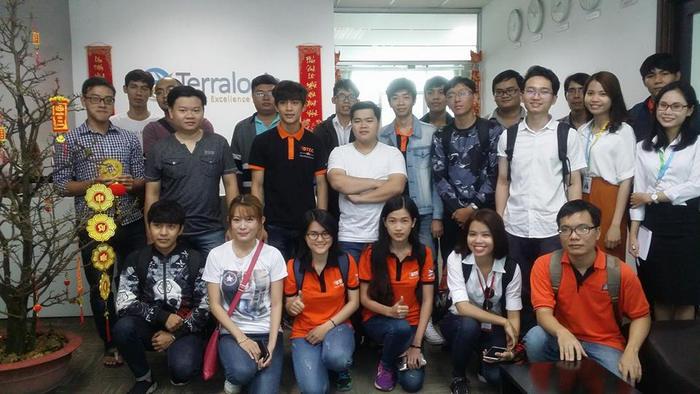 "Cung sinh vien BTEC FPT trai nghiem ""Company tour"" tai Terralogic Viet Nam"