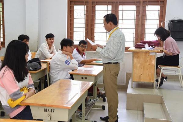 Hon 900.000 thí sinh cả nuóc buóc vào kỳ thi quóc gia 2018 vói mon Ngũ van