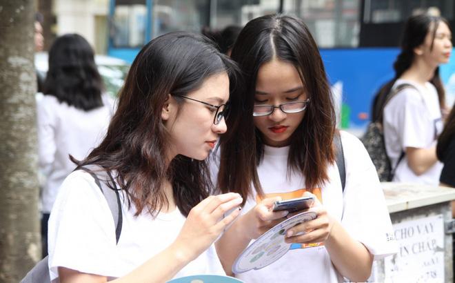 Diem chuan Dai hoc Kinh te Quoc dan 2018 giam