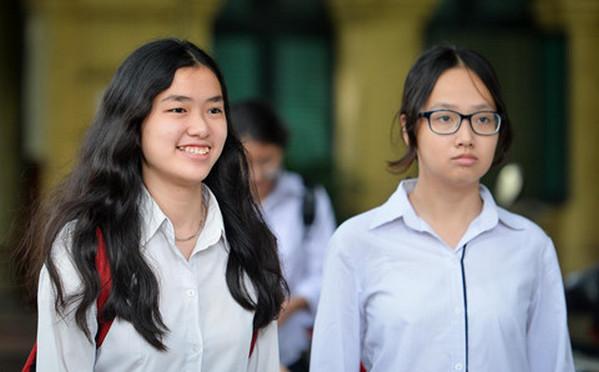 Cham thi tai Khanh Hoa co 3 bai Van dat diem 9