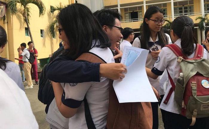 Tu chieu mai 8/8 cac truong bat dau cong bo diem chuan 2019